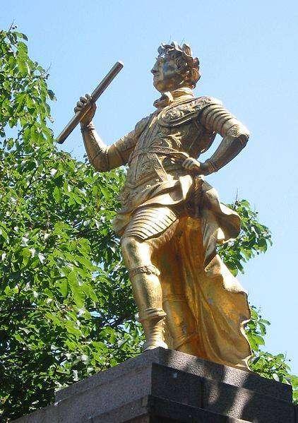 Георг 2, памятник